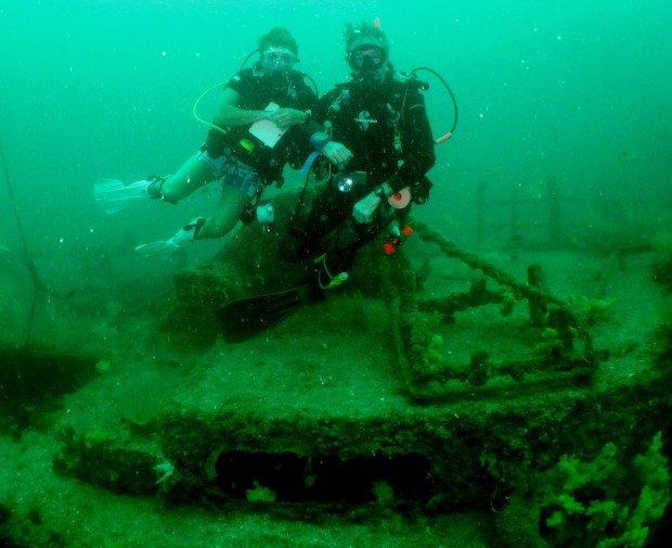 """Scuba Diving Investigator Wreck"""
