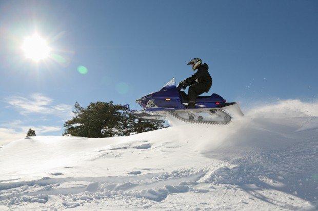 """Kelaria, Parnassos snowmobiling"""