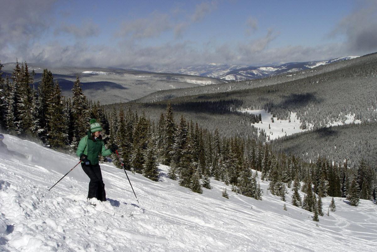 Alpine skiing snow summit ski resort san bernardino for Cabins near snow summit