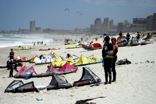 """Bloubergstrand Beach, Cape Town Kiteboarding"""