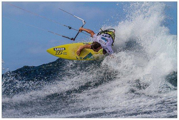 """""""Kitesurfing Waiehu Beach"""""""