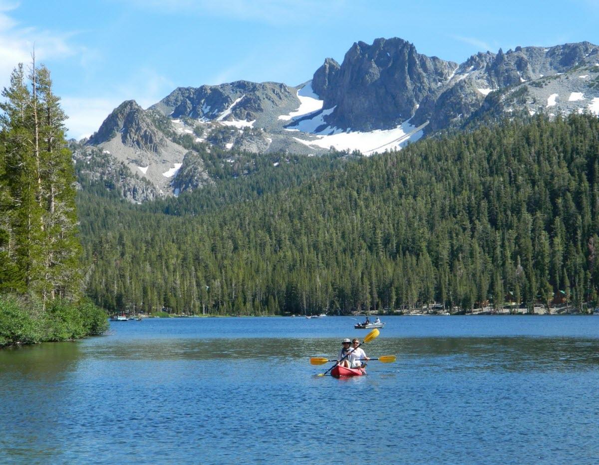 Kayaking Mammoth Lakes Yosemite National Park California Usa