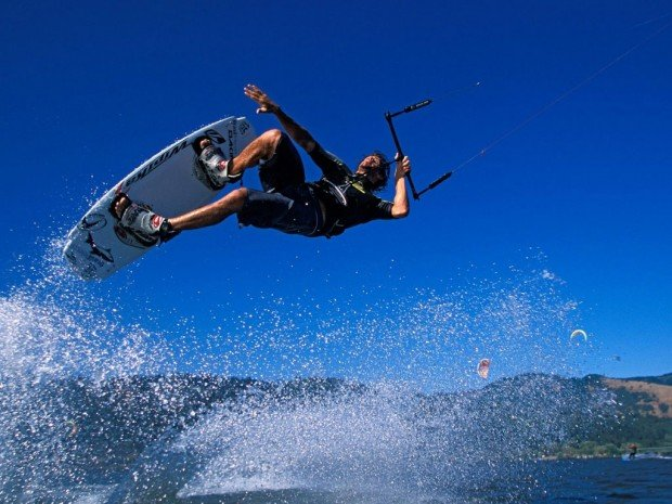 """Kitesurfing in Mojacar"""