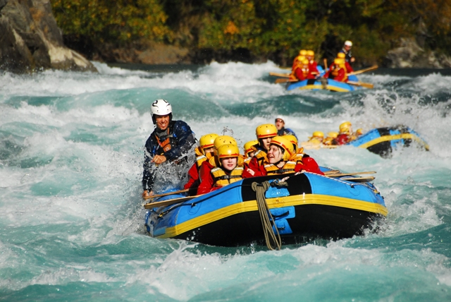 white water rafting shotover river queenstown otago new. Black Bedroom Furniture Sets. Home Design Ideas