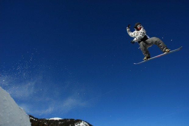"""Seli, Imathia Snowboarding"""