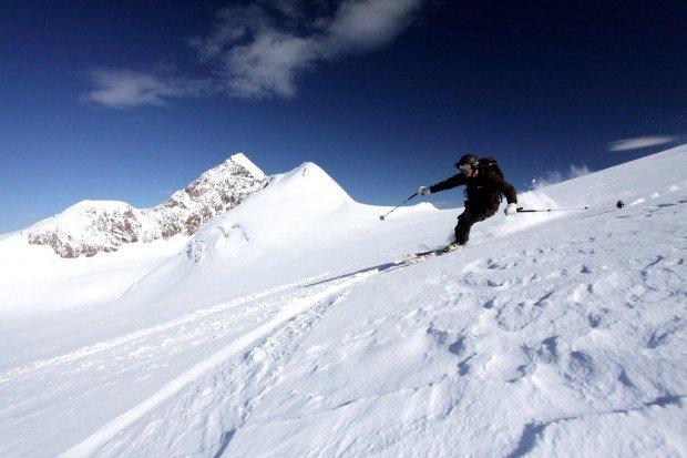 """""""Skiing Glacier Martial"""""""