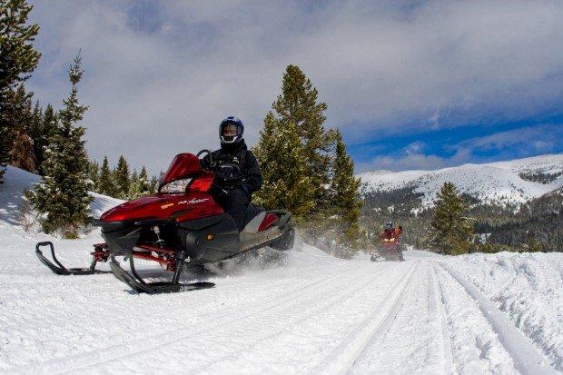"""Snowmobiler"""