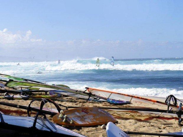 """Windsurfing Hookipa Beach"""