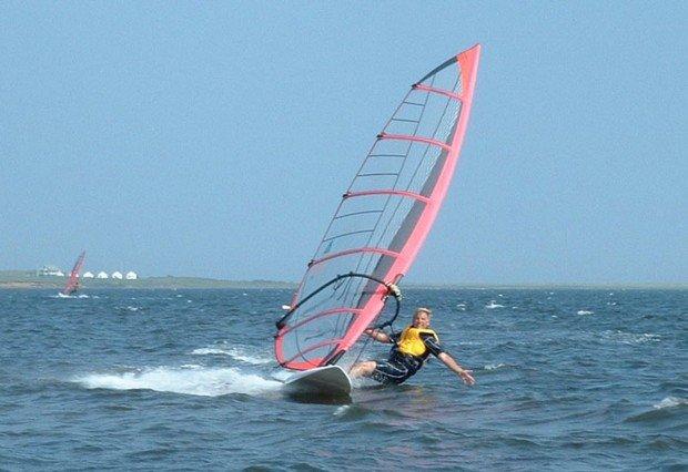 """Istorlet Windsurfing"""
