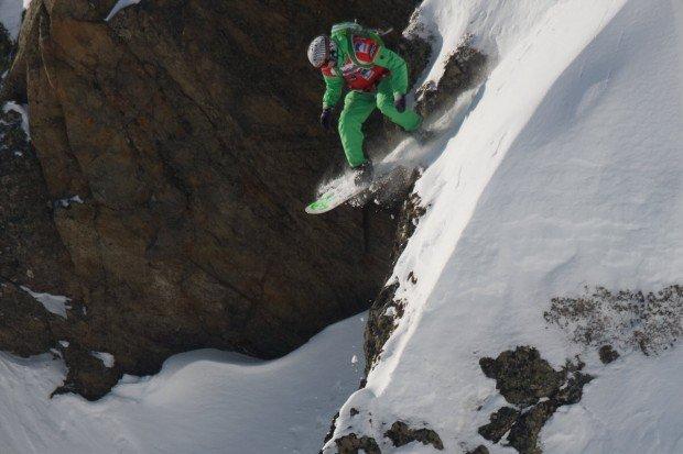 """Mont Blanc Snowboarding"""