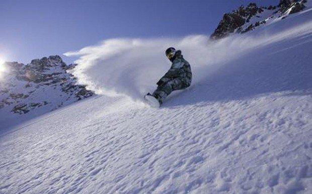 """Mont Orignal Snowboarding"""