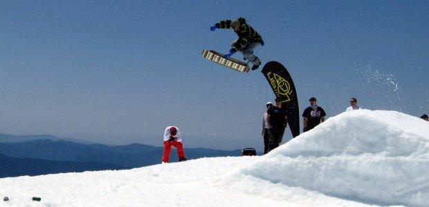 """Mont Saint-Sauver Snowskating"""