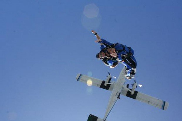 """Robertson Skydiving"""