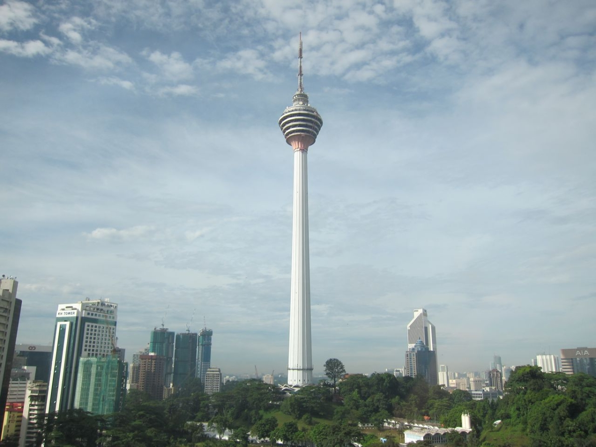 Base Jumping in KL Tower  Kuala Lumpur  Kuala Lumpur MalaysiaKl Tower