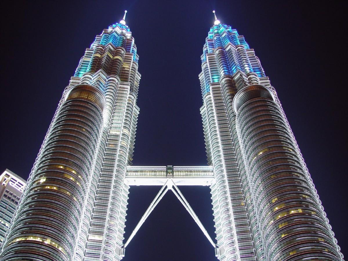 برج های دوقلوی پتروناس کوالالامپور