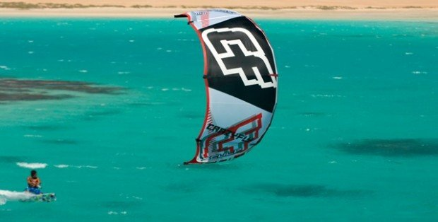"""Kitesurfing in Murrebue"""