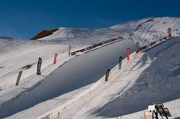 """""""Snowboarding Leysin Ski Resort"""""""