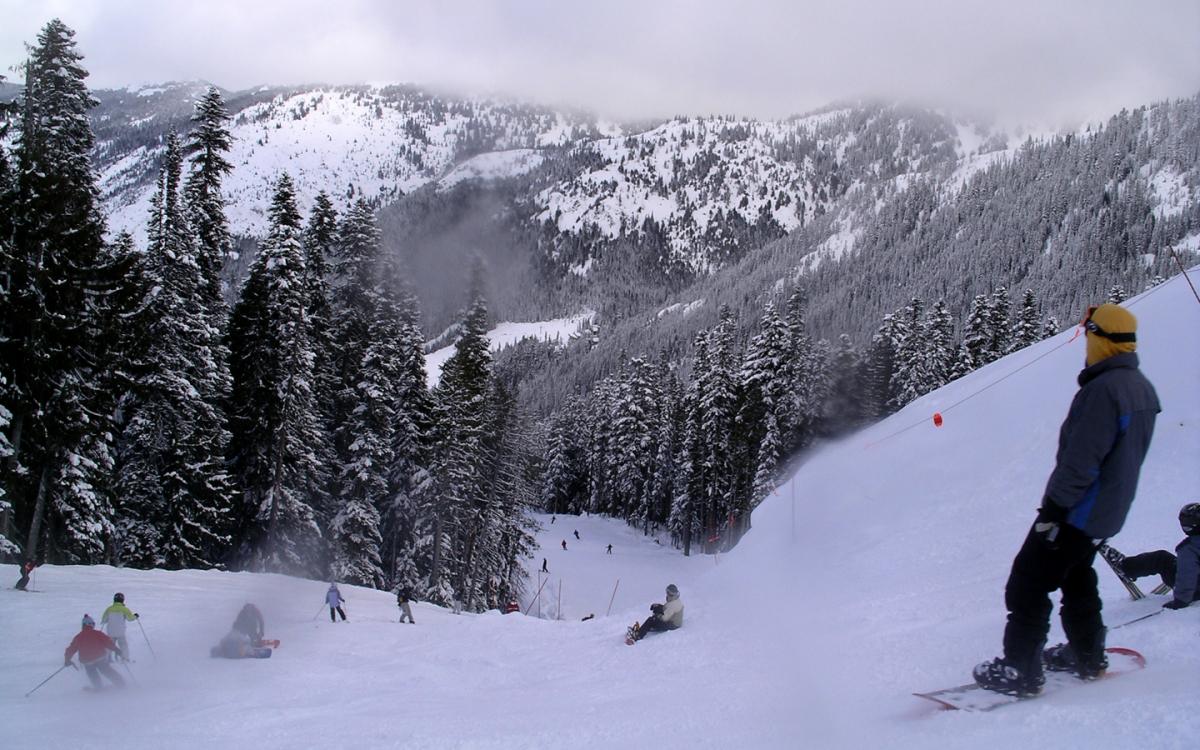 snowboarding crystal mountain resort west kelowna british columbia