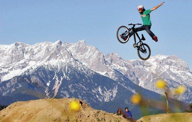 """Leogang Bikepark MTB Dirt Jumping"""
