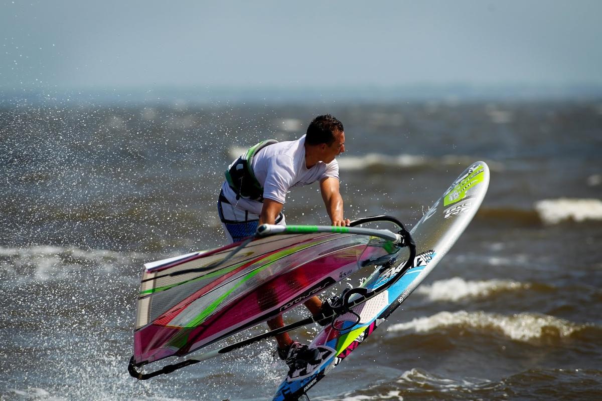 Asian exporters of windsurfing equipment