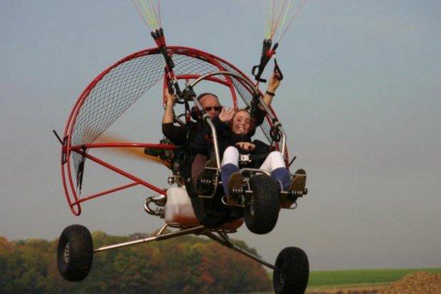 """""""Aérodrome de Persan Beaumont Paramotoring"""""""