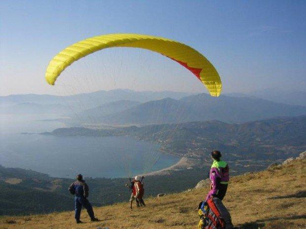 """Compolibat Paragliding"""