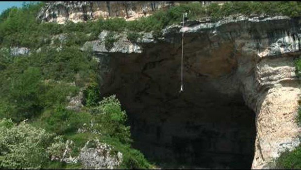 """Grotte du Mas d'Azil Cave Bungee Jumping'"