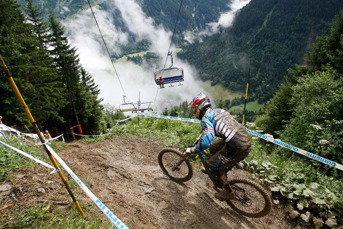1cb9a03d7d5 Mountain Biking Freeride Bikepark Champery Geneva Switzerland