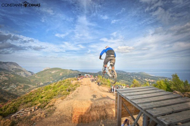 """Mountain Biking Freeride the Tank Trail"""