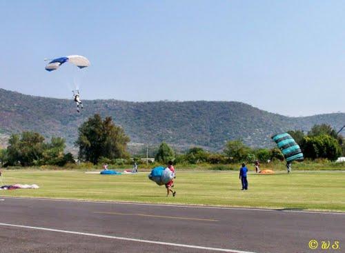 """Skydiving at Cuautla Morelos"""