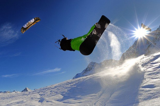"""Snow Kiting at Cota 2000"""