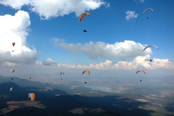 """Paragliding at Fortin de las Flores"""