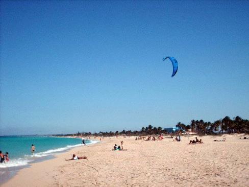 ''kitesurfing at Playa del Este''
