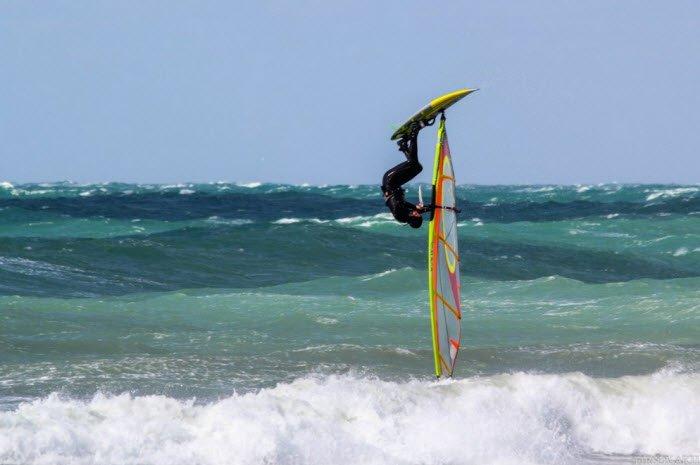 Windsurfing jump
