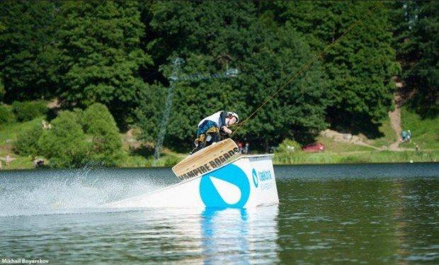 """Srednee Suzdalskoye Lake Wakeboarder"""
