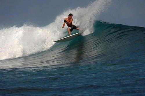 """Surfing in Piscina"""