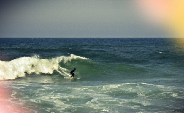 """Surfing in Praia da Foz do Arelho"""