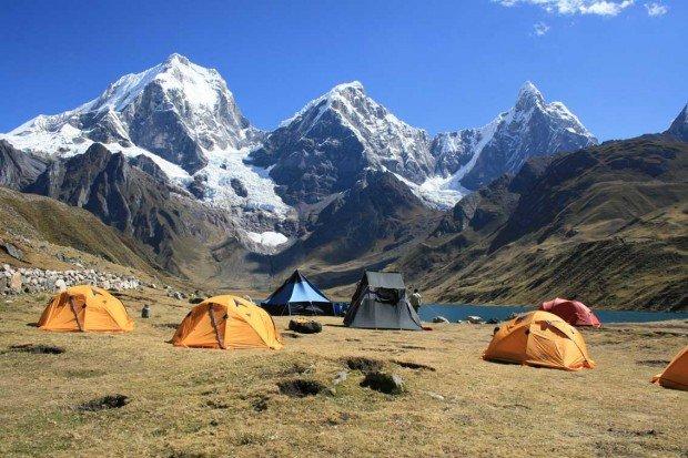 ''trekking in Cordillera Huayhuash''