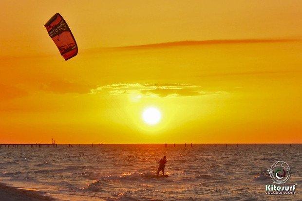 ''AAAA Kiteboarding in El Cuyo''
