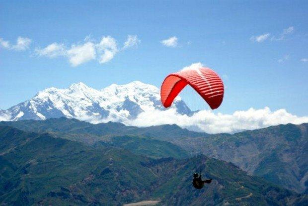 'Paragliding in Huajchilla'