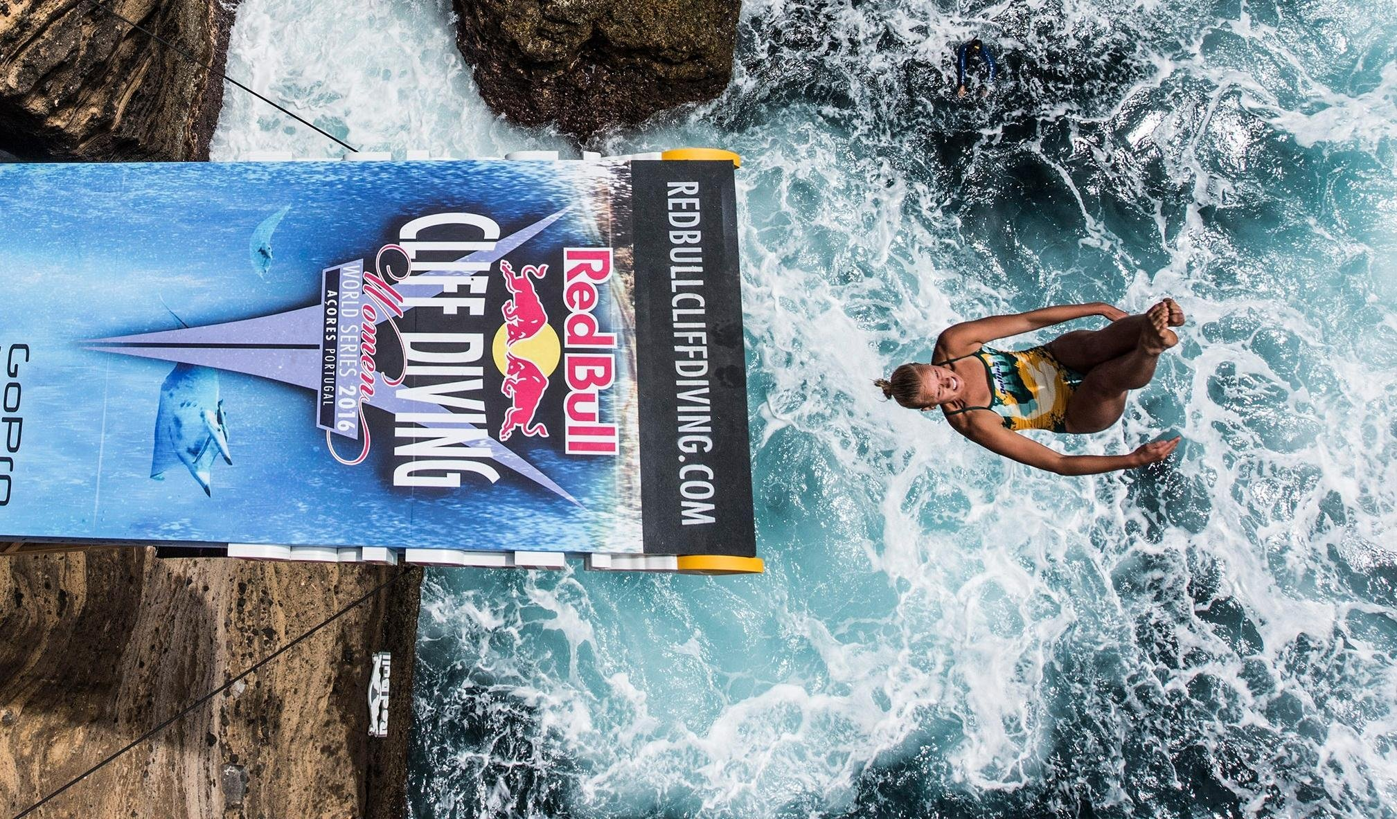 """Wildcard competitor Rhiannan Iffland claims cliff diving top spots"""